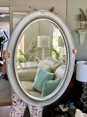 VERY LARGE LOVELY MIRROR for Sale in Chicago, IL