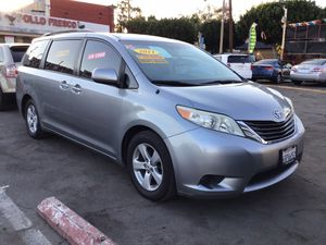 2011_Toyota-Sienna_Facil de llevar✨ for Sale in Compton, CA