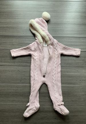 Max Studio Baby Pink Knitted Suit. for Sale in Alexandria, VA