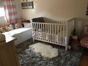 Delta White Standard Baby Crib for Sale in Playa del Rey, CA