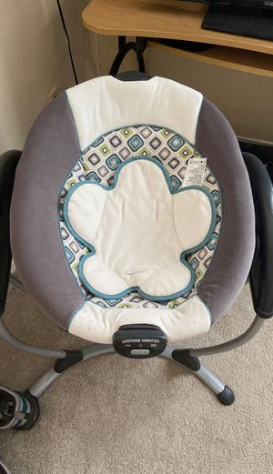 Graco Glider LX Gliding Baby Swing, Affinia for Sale in Georgetown, TX
