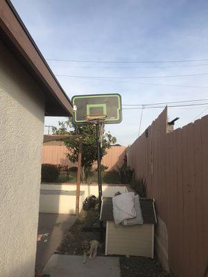 Basketball hoop for Sale in Chula Vista, CA