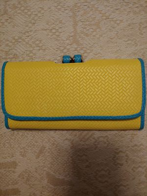 New Yellow Woven Pattern Wallet for Sale in Tempe, AZ