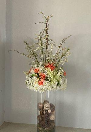Beautiful flower + vase for Sale in Montclair, CA