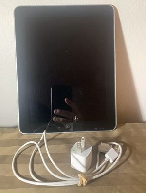 iPad 1st Generation Black 32GB for Sale in Clermont, FL