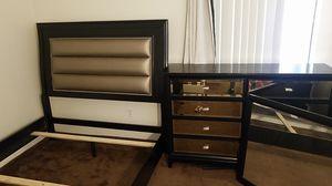 Queen bedroom set for Sale in San Jose, CA