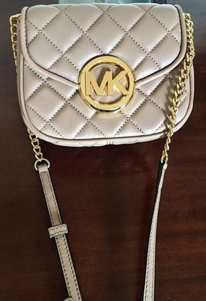 Tan Michael Kors small purse for Sale in New York, NY