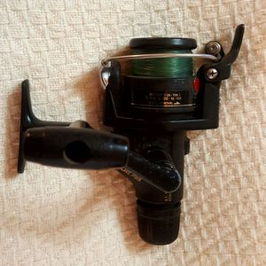 Shimano FX2000 R2000 Fishing Spinning Reel Smooth Quick Fire Fresh Water for Sale in Round Rock, TX