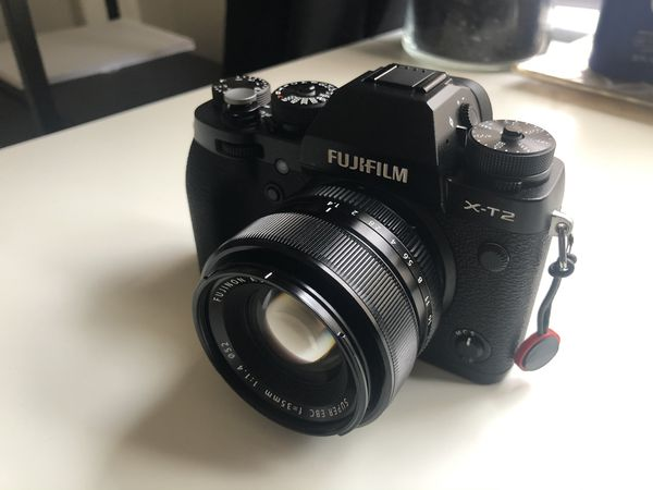 Fujifilm XT2 and 35mm f/1.4 lens! Near mint condition!
