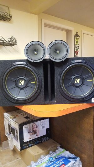"""Kickers subwoofer 12"""" and two door Speakers Bosé. for Sale in Mount Angel, OR"""