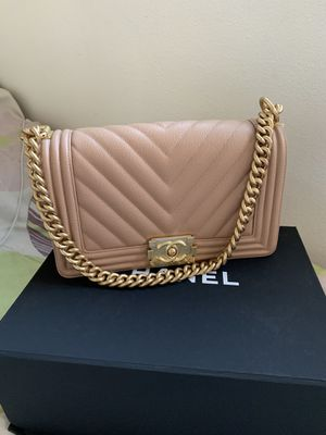 CHANEL Boy Flap Bag for Sale in Los Angeles, CA
