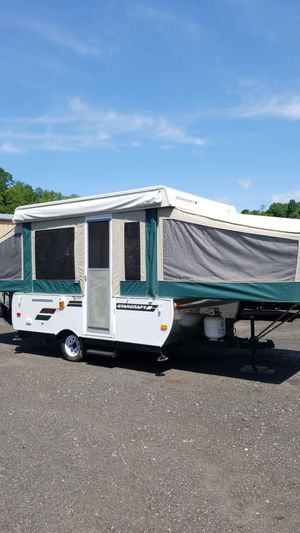 2011 Starcraft Popup w/ Power Lifter for Sale in Bristol, CT