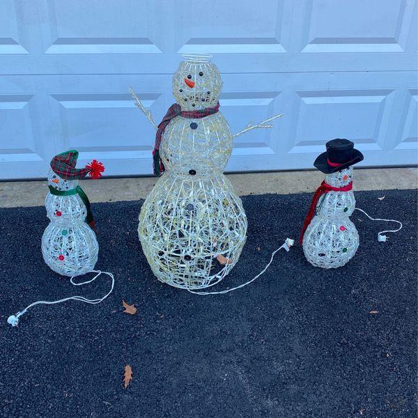 3 Light Up Snowmen