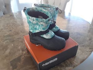 Northside kids snow boots size 5 for Sale in Las Vegas, NV