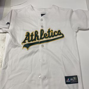 Vintage Oakland A's White Jersey Majestic Athletics Medium Youth MLB BASEBALL for Sale in Spring Valley, CA