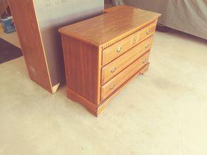 Dresser for Sale in Saint Clair, MI