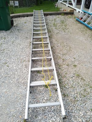 24 ft Extension ladder for Sale in High Ridge, MO