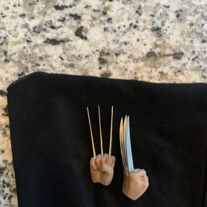 """Wolverine Hands With Real Metal Claws For 12"""" Inches Action Figure for Sale in Chicago, IL"""