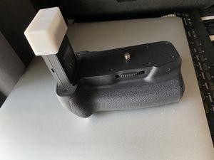 Battery Grip Holder for Canon EOS 800D 77D Rebel T7i DSLR for Sale in Chesterfield, VA