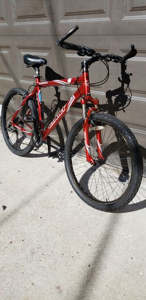 GIANT MOUNTAIN BIKE (For parts and repairs) 21 INCH FRAME for Sale in San Diego, CA
