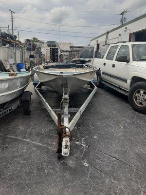 17 ft starcraft aluminum v hull boat on 20 ft trailer for Sale in Fort Lauderdale, FL