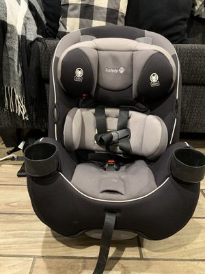 Safety 1st convertible car seat for Sale in Riverside, CA