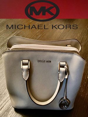 MICHAEL KORS BIG PURSE / BRAND NEW - GREY for Sale in Chino, CA