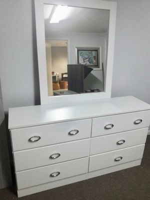 NEW DRESSER AND ONE NIGHT STAND for Sale in Miami Gardens, FL