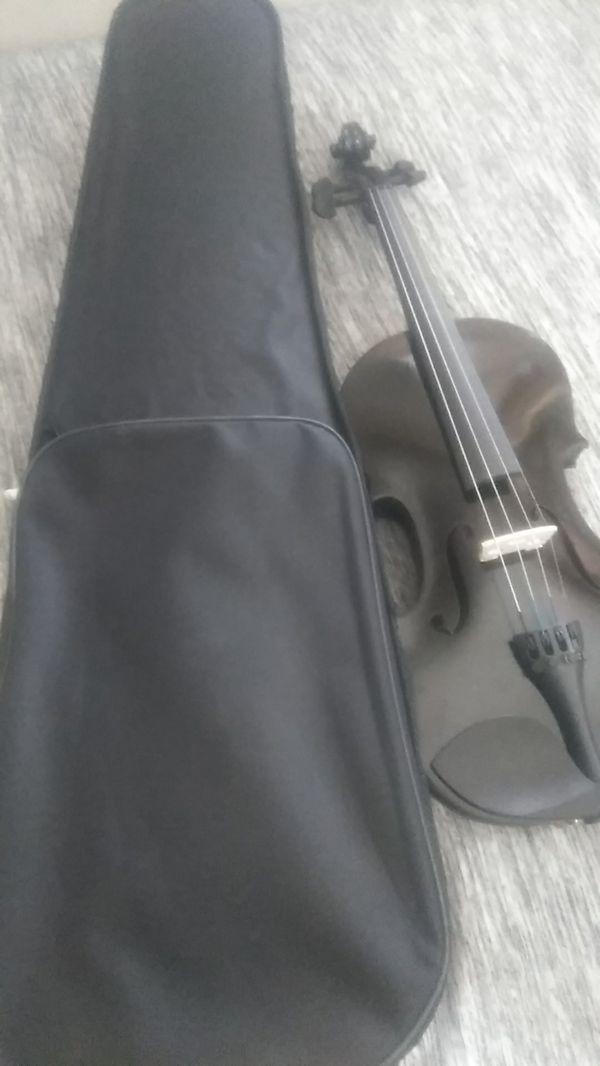 black authentic cedar wood violin for sale in victorville ca offerup. Black Bedroom Furniture Sets. Home Design Ideas