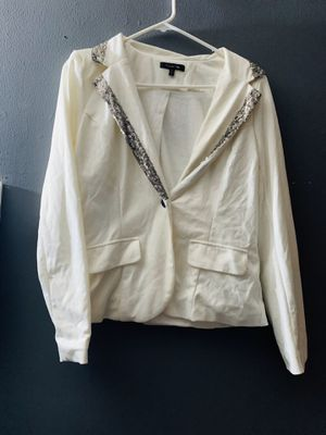 White blazer for Sale in Paramount, CA