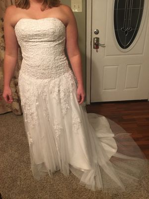 Wedding dress for Sale in Columbia, MO