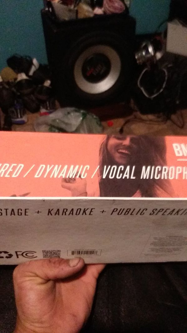 BlackMore Pro Audio dynamic vocal microphone