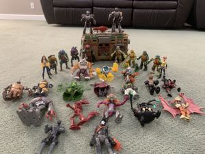 Teenage Mutant Ninja Turtles (30 Figures) AND SHELLRAISER! for Sale in Boca Raton, FL
