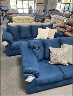 Darcy Blue Living Room Set Ashley for Sale in Houston,  TX