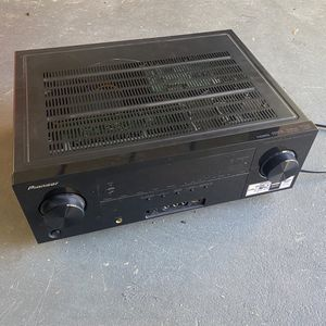 Pioneer 5.1 Receiver VSX-821 for Sale in Whittier, CA