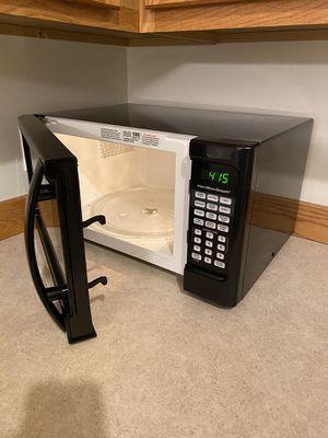 microwave for Sale in Saginaw, MI