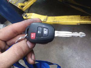 2011 Toyota rav4 we make car keys for Sale in Kensington, MD