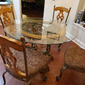 Ashly breakfast table, 42 inch top glasses in great condition for Sale in Windermere, FL