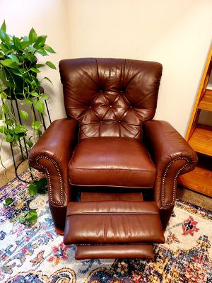 Barcalounger tufted leather recliner for Sale in Federal Dam, MN