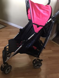 Like New Hot Pink And Black 3D Lite Summer Lightweight Stroller for Sale in Lake Elsinore,  CA
