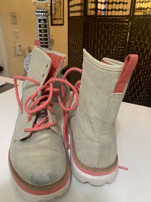 Gold and rose boots sneakers/ tennis bota sketchers women's for Sale in Miami Beach, FL