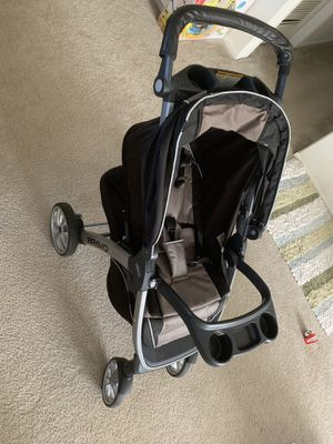 Car seat stroller chicco bravo keyfit 3 for Sale in Woodbridge Township, NJ