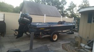 93 Astro bass boat 200 horsepower Mercury boat motor and trailer mm for Sale in Glenarden, MD