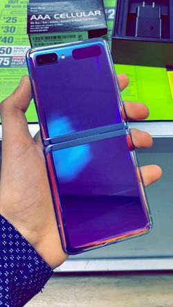 Samsung Galaxy Z FLIP 5G 256GB Factory Unlocked - Like New! (30 Days Warranty) for Sale in Arlington,  TX