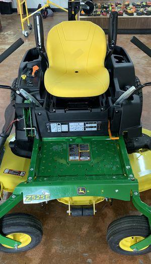 John Deere zero turn riding lawn mower for Sale in Irving, TX