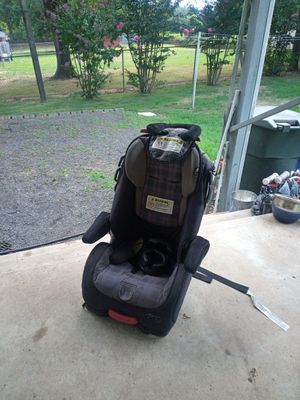 Car seat for Sale in Eden, NC