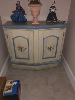 Antique cabinet for Sale in Miami, FL