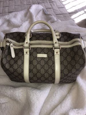 USED/Great Condition: Gucci Beige/White GG Coated Canvas Medium Joy Boston Bag for Sale in Los Angeles, CA