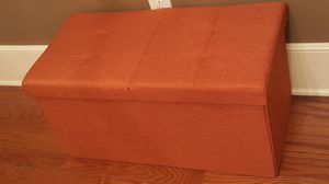 New center folding storage ottoman for Sale in Millbrook, AL