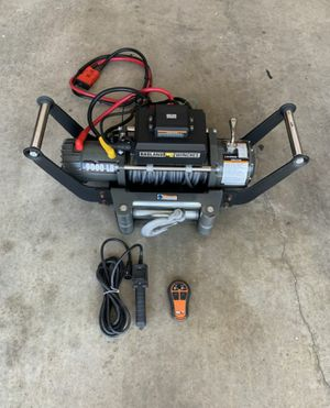 Badlands Winch 9000lbs con for Sale in Katy, TX